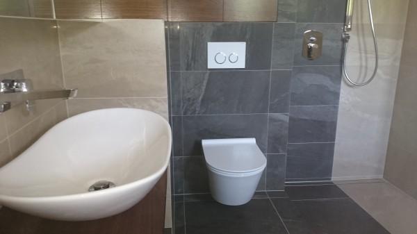 Budowa domu rodzinnego - toaleta