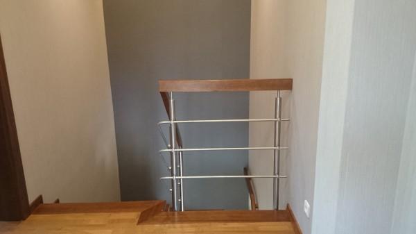 montaż-balustrady-na-schodach1-600x337