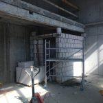 Murowanie ścian działowych - Villa Fiano