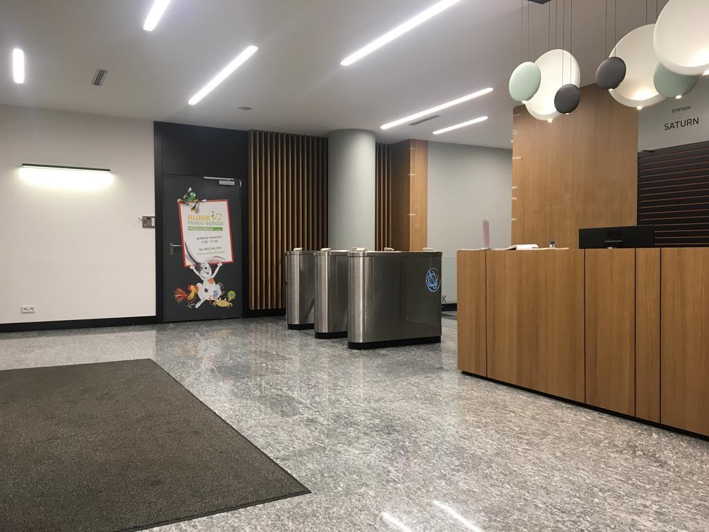 Lobby Empark 6