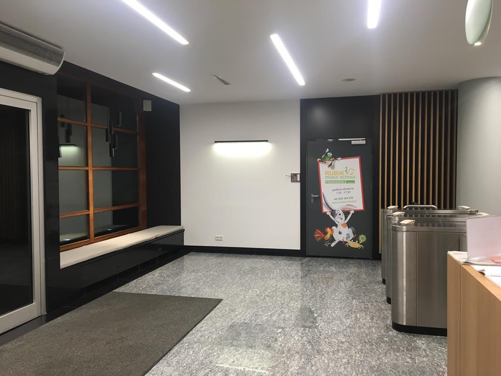 Lobby Empark 7